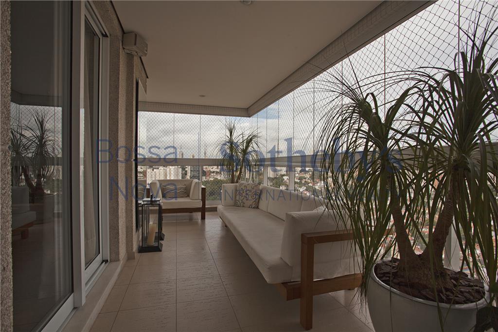 Apartamento com varanda e vista  maravilhosa