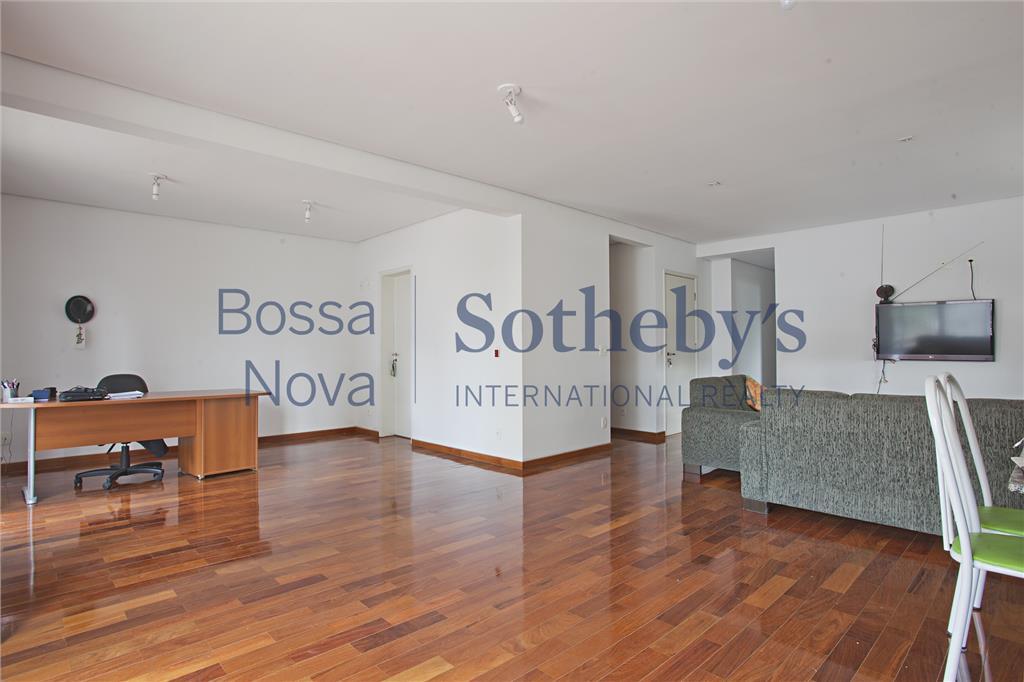 Ótima Localização em Moema, apartamento para venda