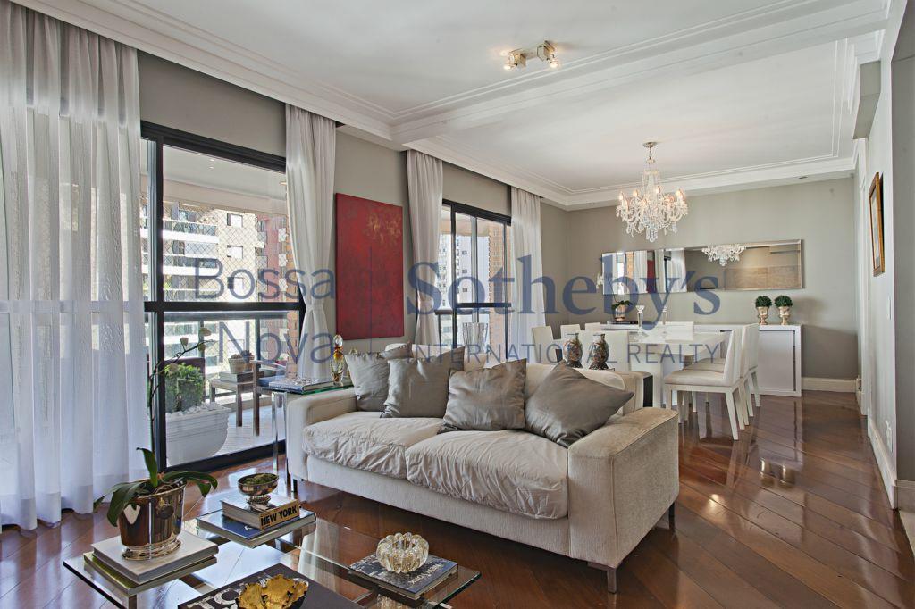 Lindo apartamento em Moema Nobre