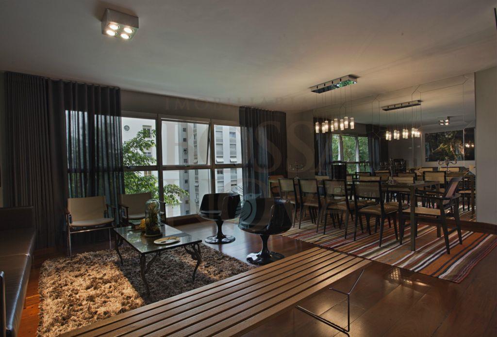 Apartamento Duplex, reformado com muito charme e conforto.