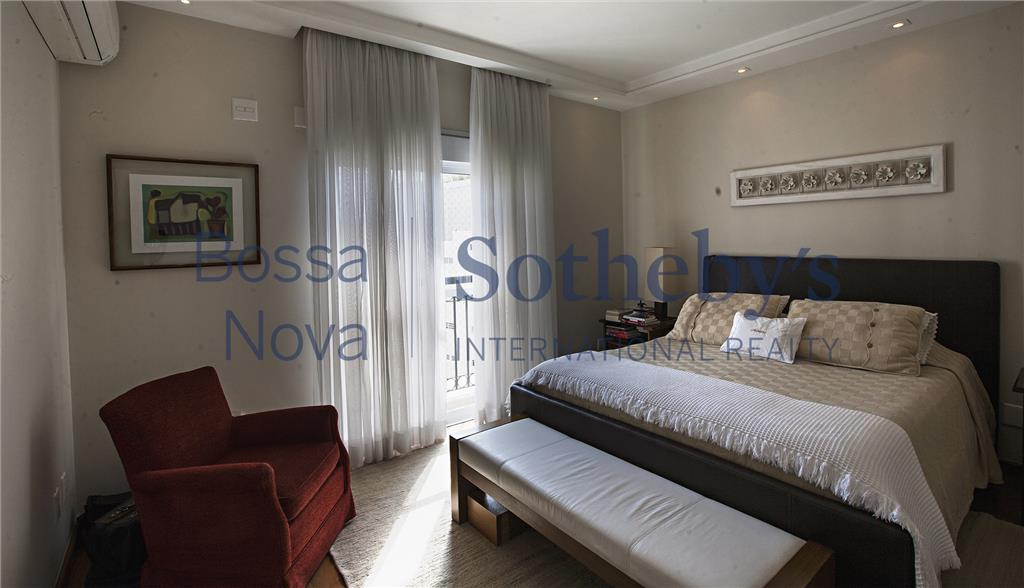 Incrivel acabamento e maravilhoso apartamento no Itaim ! Imperdível !