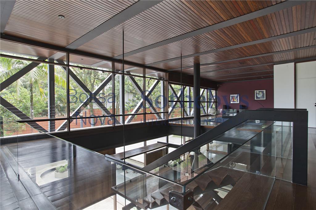 Mansão moderna do Arquiteto Henrique Gambiati, Morumbi, São Paulo.