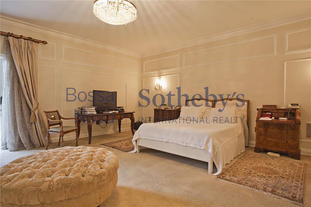 Magnifica mansão ,luxo,conforto,quadra de tenis,spa, e segurança