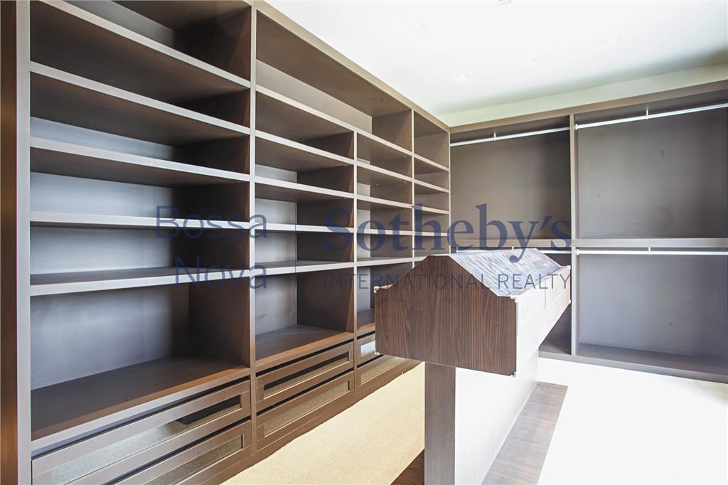 Apartamento em condomínio cobiçado