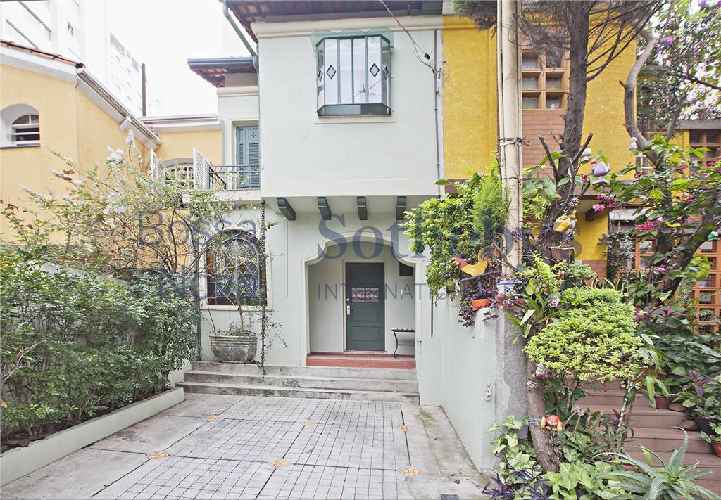 Venha morar em Casa de Vila reformada, em excelente localização!!!