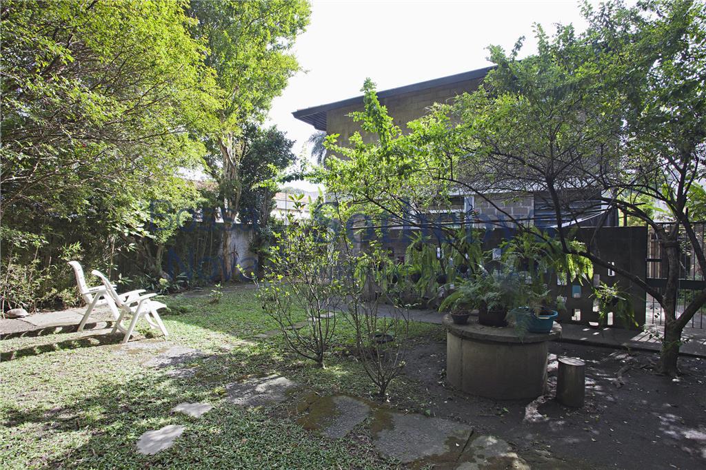 Casa com quintal delicioso