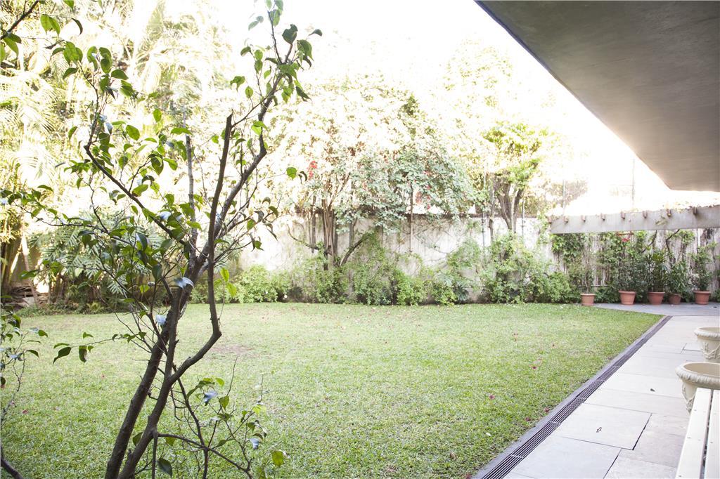 Confortável com jardim