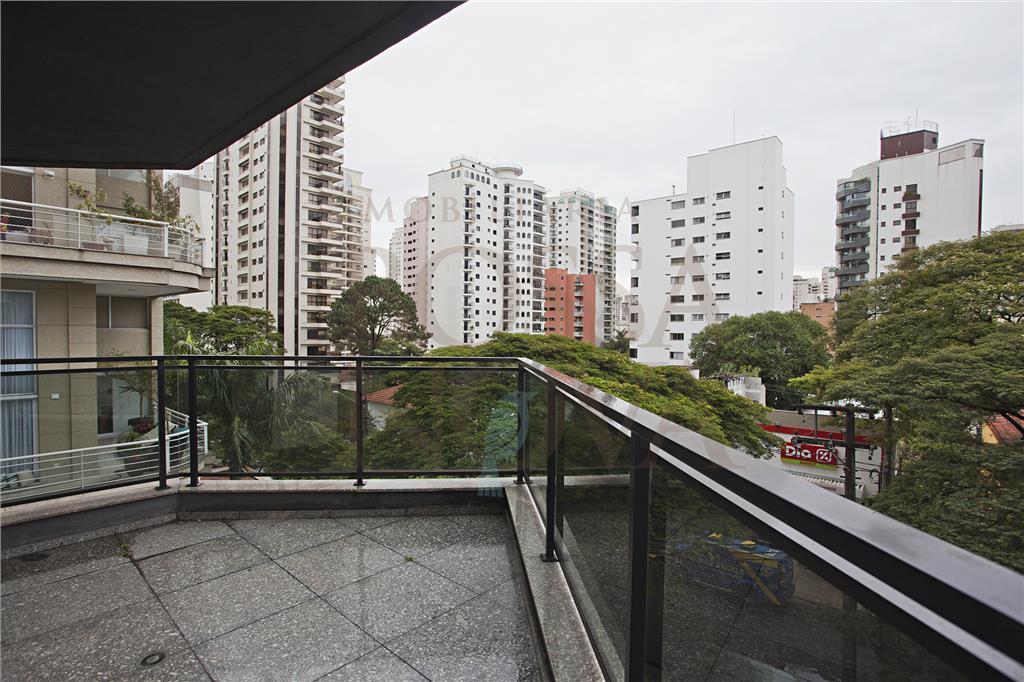 Apartamento, com terraço andar alto, próximo ao parque das bicicletas.