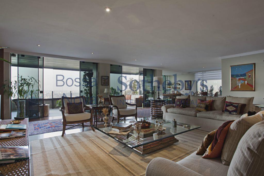 Luxo e conforto com a mais linda,aluga mobiliado vista de São Paulo.