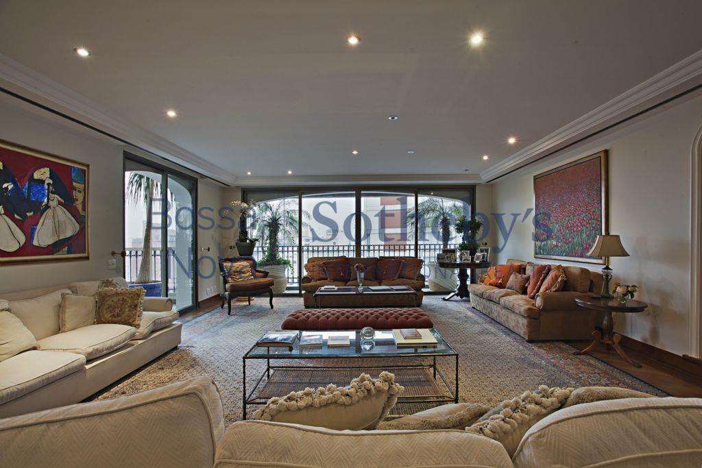 Apartamento em predio luxuoso no Jardins