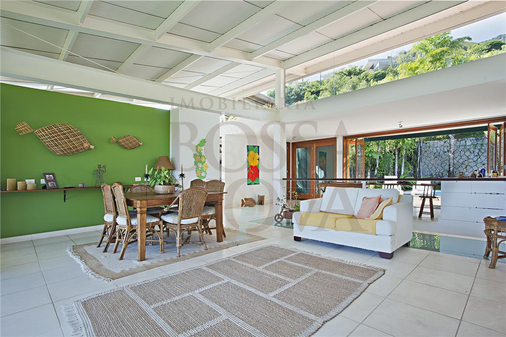 Casa de 3 dormitórios à venda em Centro, Ilhabela - SP