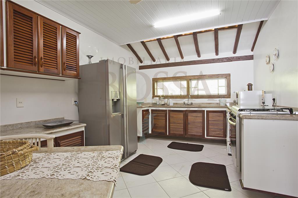 Casa de 4 dormitórios à venda em Praia Grande, Ilhabela - SP
