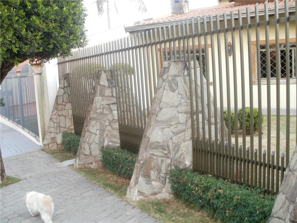 Casa com 3 dormitórios à venda, 298 m² por R$ 500.000 - Champagnat - Londrina/PR