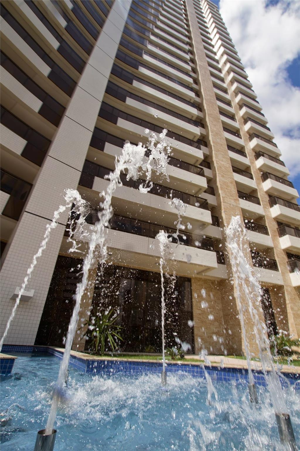 Apartamento à venda, Guararapes, Fortaleza - AP0484.
