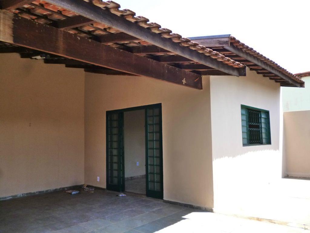Casa residencial à venda, Nadir Kenan, Barretos.
