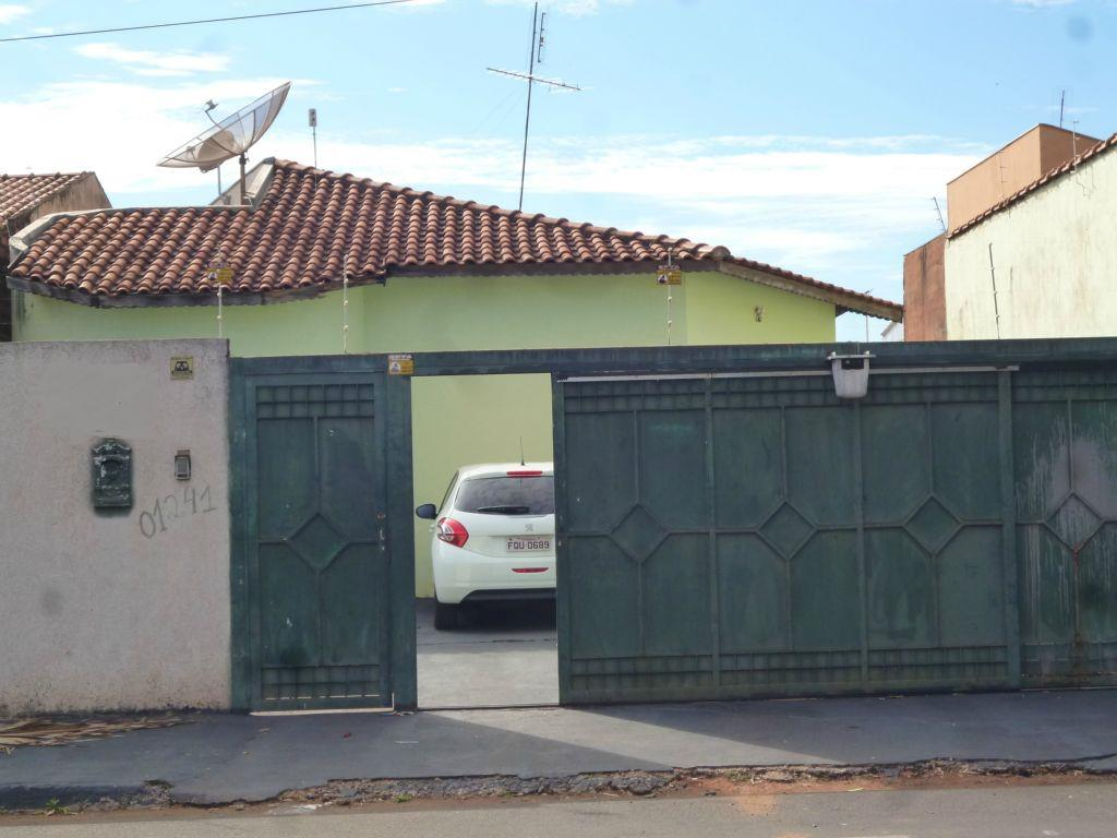 Casa residencial à venda, Jockey Club, Barretos.