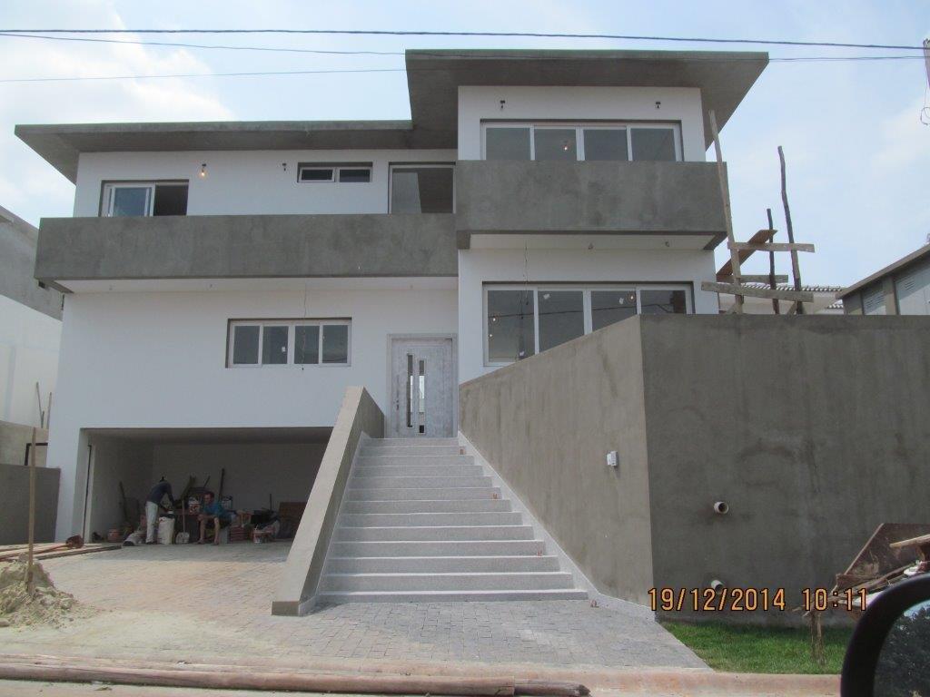 Selecione residencial à venda, Golf Village, Carapicuíba.