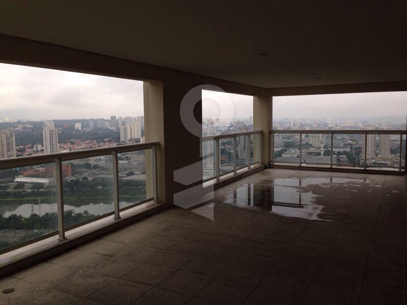 Apartamento de 440m², Panamby, São Paulo.