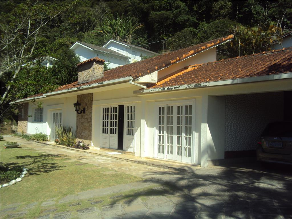 Casa à venda  em Teresópolis, Iucas