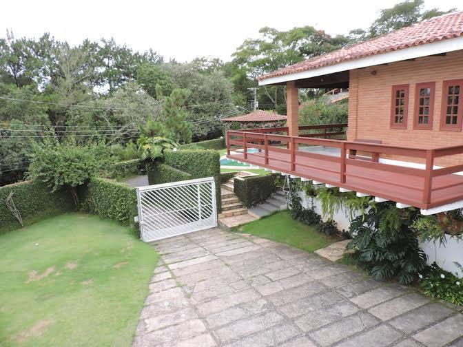 Casa residencial à venda, Fazendinha, Granja Viana. de Terra Granja Viana Imobiliária.'