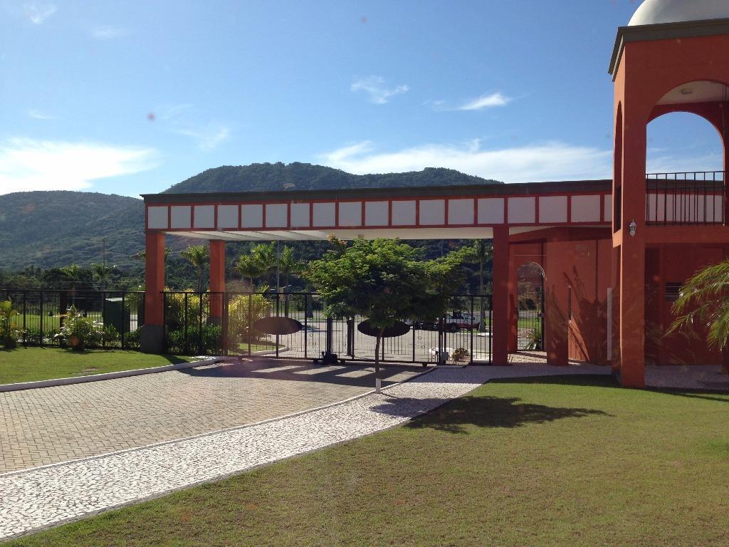 Terreno em Condomínio no Rio Tavares