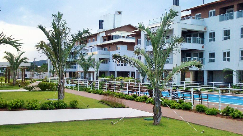 Apartamento na beira da praia no Campeche