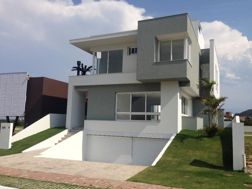 Casa de Cinema em Condomínio pé na areia em Florianópolis