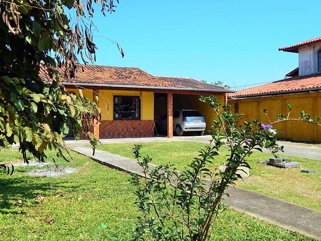 Casa no Campeche com grande terreno