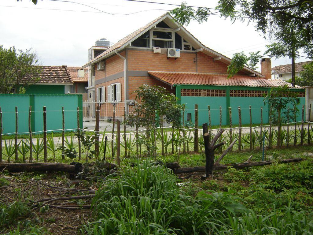 Duas casas no mesmo terreno no Rio Tavares
