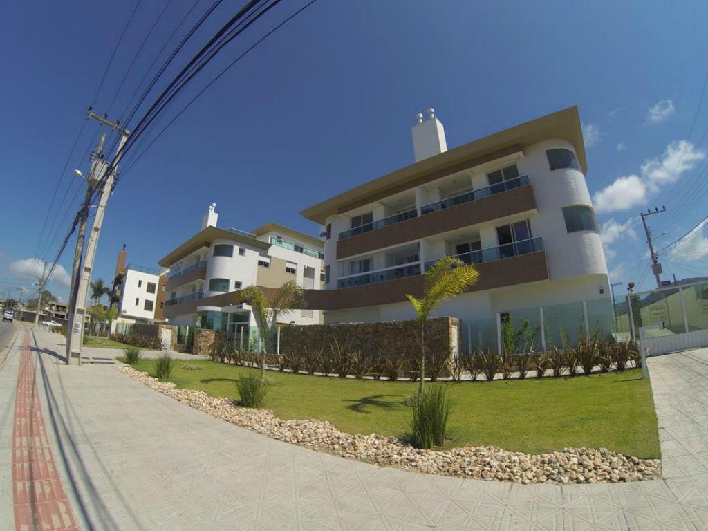 Apartamento de 03 dormitórios, bem pertinho do mar ... Novo ...