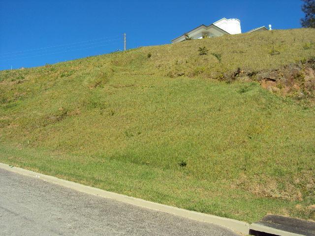 Amplo terreno em condomínio fechado no Itacorubi