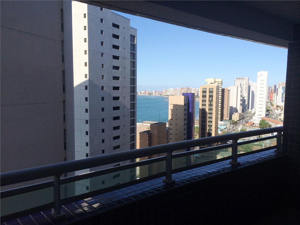 Apartamento Praia de Iracema, 2 quartos, vista mar, armários, vaga