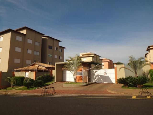 Apartamento com 3 dormitórios para alugar - Universitário - Uberaba/MG