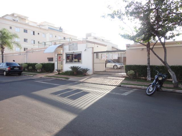 Apartamento com 2 dormitórios para alugar, 61 m² por R$ 900/mês - Universitário - Uberaba/MG