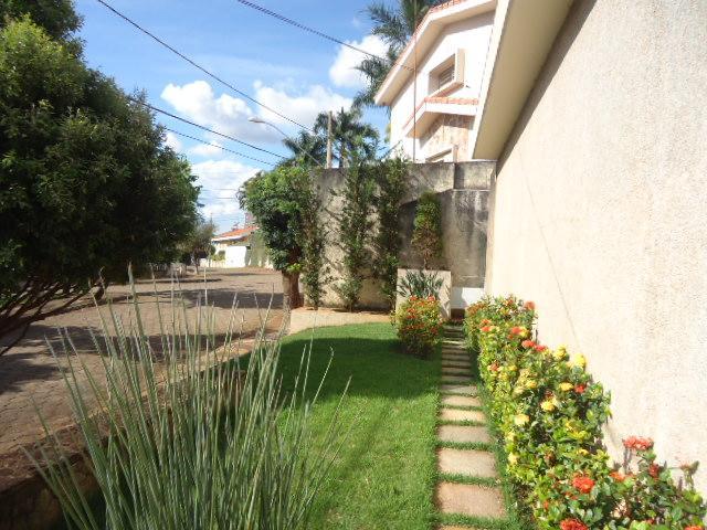 Casa residencial à venda, Jardim Alexandre Campos, Uberaba - CA0083.