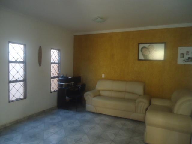 Casa residencial à venda, São José, Uberaba - CA0827. de Vínculo Imóveis.'