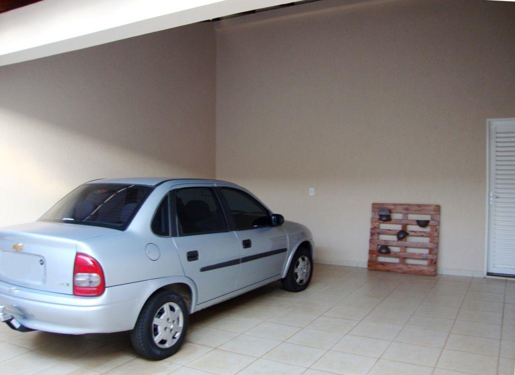 Casa residencial à venda, Jardim Nenê Gomes, Uberaba - CA091 de Vínculo Imóveis.'