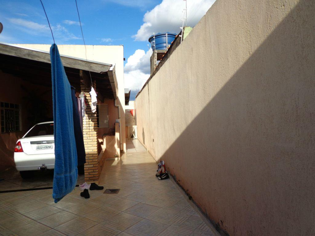 Casa residencial à venda, Josa Bernardino I, Uberaba - CA065