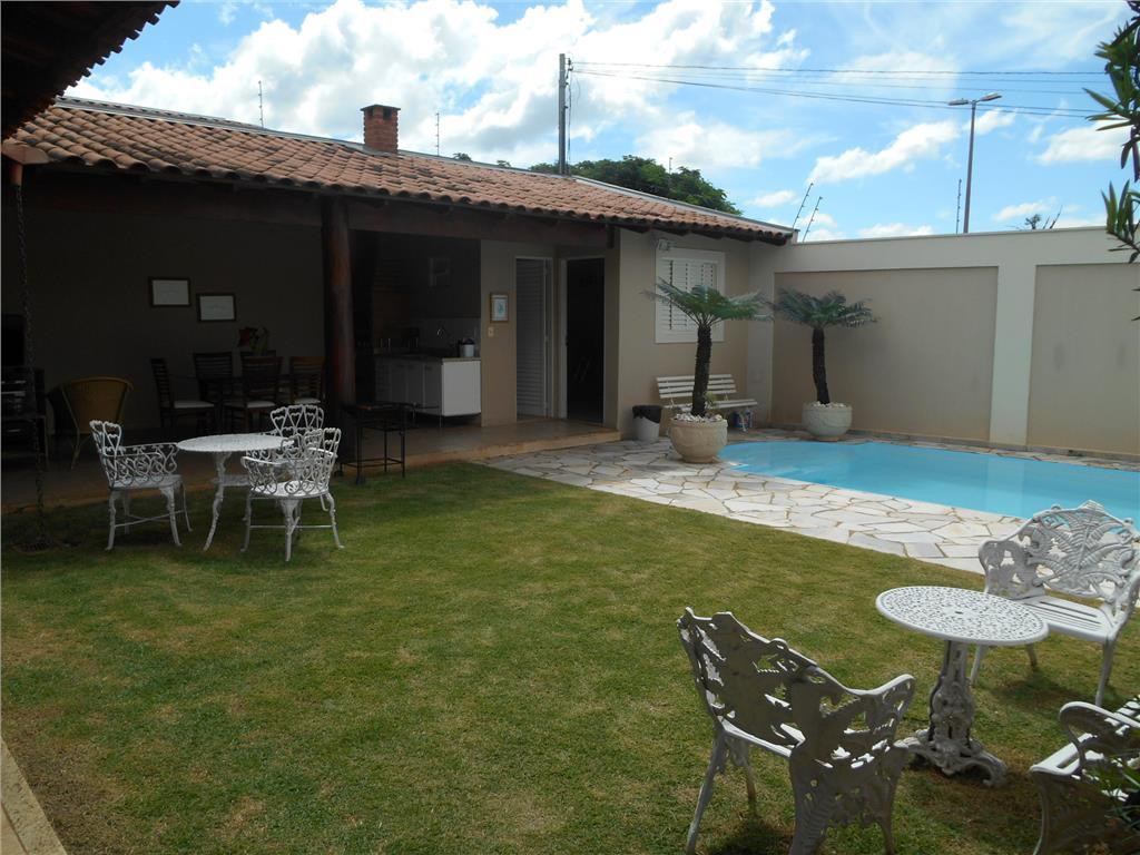 Casa residencial à venda, Mercês, Uberaba - CA0693.