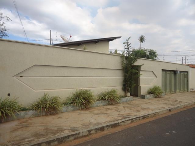 Casa residencial à venda, Beija-Flor, Uberaba - CA0402.