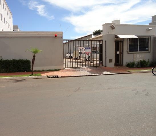 Apartamento com 2 dormitórios para alugar, 52 m² por R$ 700/ano - Universitário - Uberaba/MG
