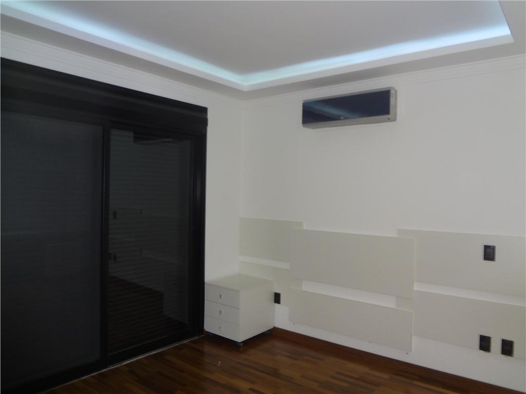 Casa de 4 dormitórios à venda em Swiss Park, Campinas - SP