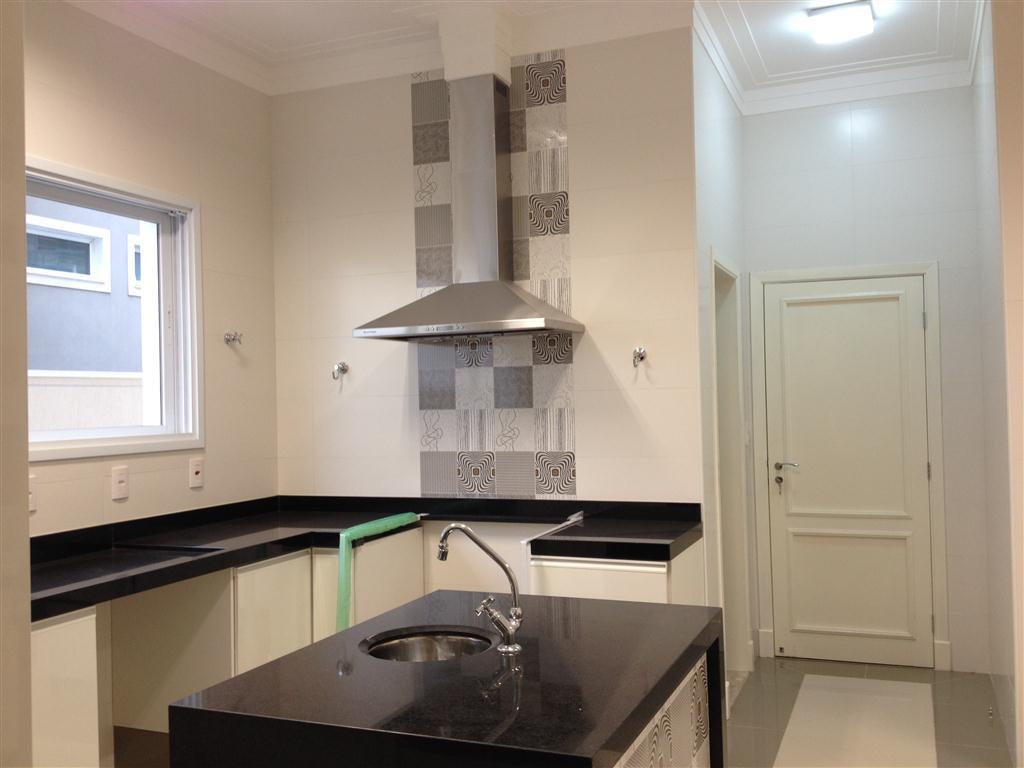 Casa de 4 dormitórios em Mont Blanc Residence, Campinas - SP