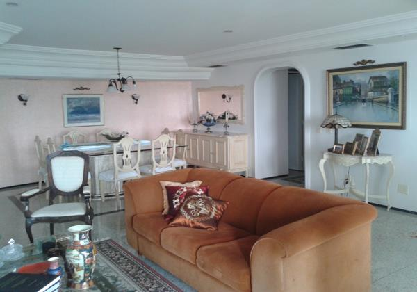 Apartamento à Venda - de Lourdes