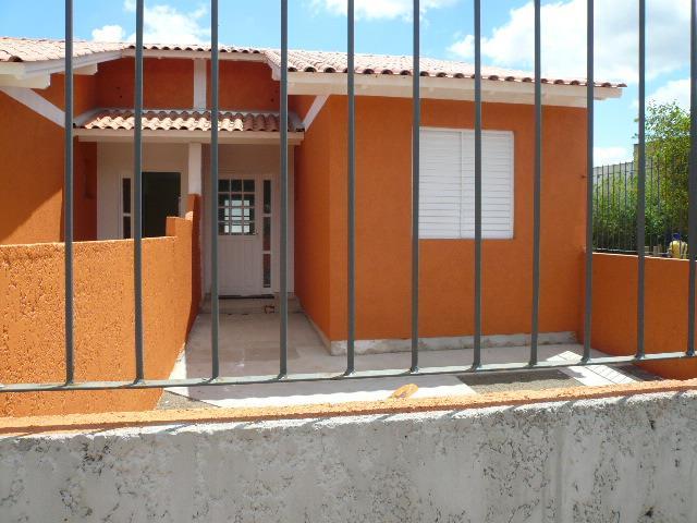 Casa  2 dormitórios, com garagem; Cruzeiro, Gravataí.