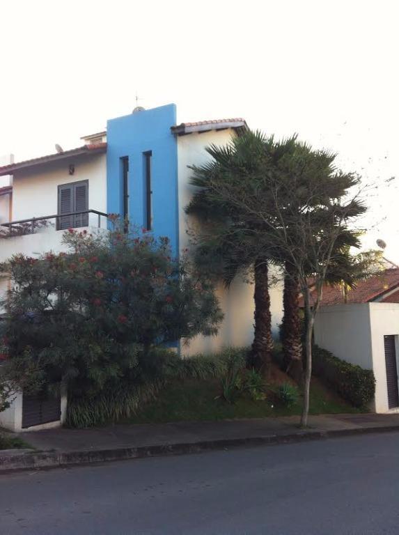 Oportunidade!!!Belíssima casa na Granja Viana!