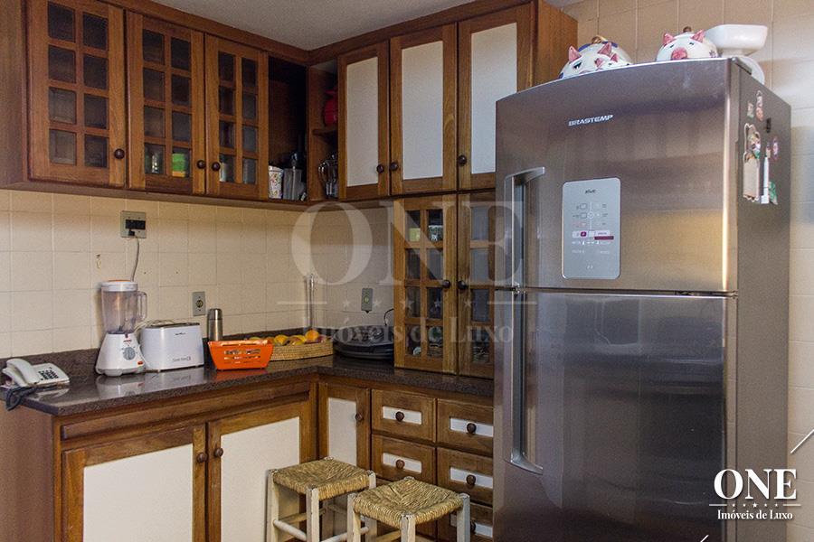 Casa de 5 dormitórios em Santa Tereza, Porto Alegre - RS