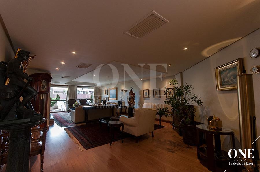 Apartamento de 4 dormitórios em Moinhos De Vento, Porto Alegre - RS