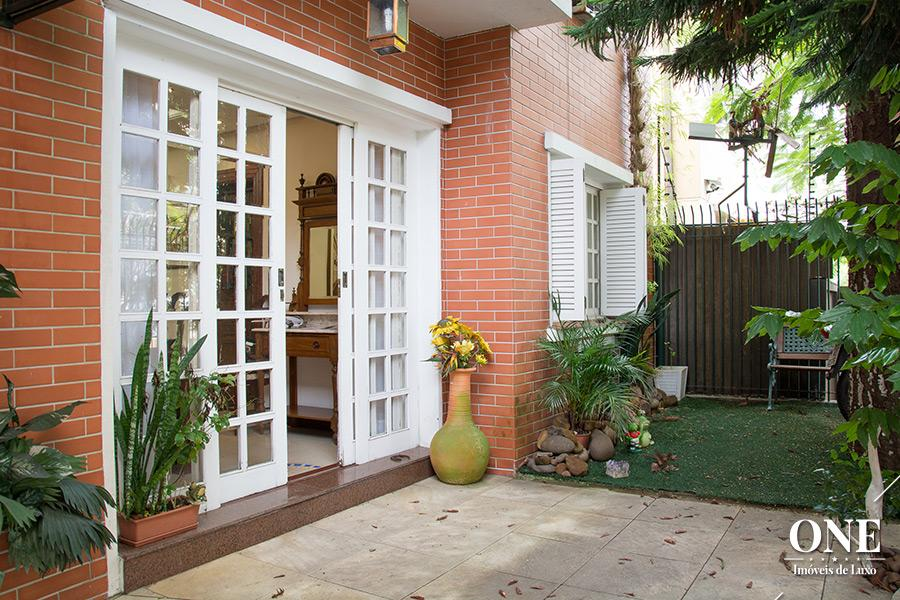 Casa de 3 dormitórios em Petrópolis, Porto Alegre - RS