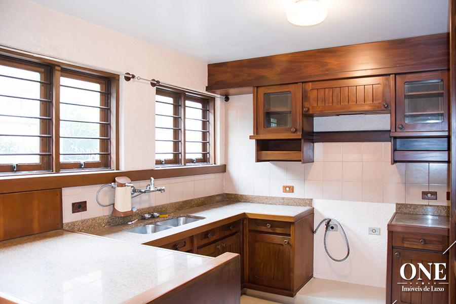 Casa de 5 dormitórios em Vila Assunção, Porto Alegre - RS